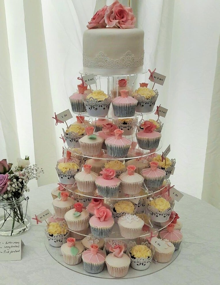 pretty cupcake tower (2)