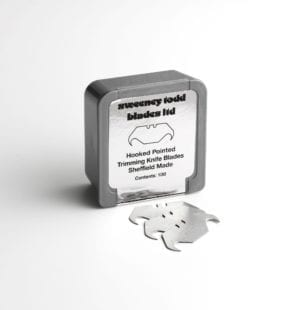 Sweeney Todd Hook Pointed Blades Plastic Box