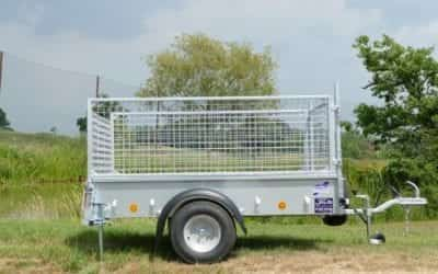 Used P6e complete with mesh extensions, alloy floor, propstands, cover and spare wheel.